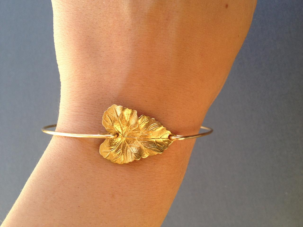Fall in Love- Heart Leaf Bangle Bracelet