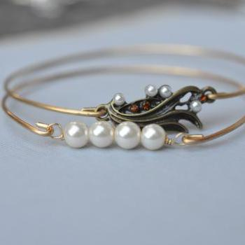 Brass Pearl Bangle Set- Gold Bangle Jewelry- Pearl- Gold Bangle- Bridesmaids Gift Ideas- Casual Wear- Minimalist- Wire Bangle- Filigree